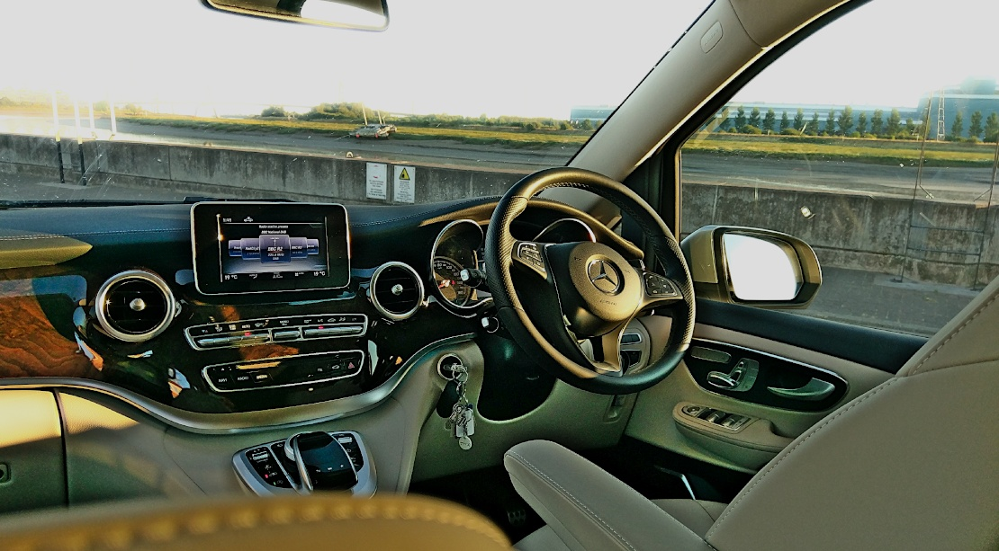 Picture of VIP Mercedes V Class dashboard in silk beige