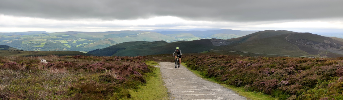 Picture from The Masts above the Horseshoe Pass